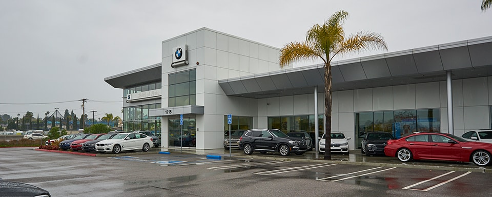 Exterior view of BMW of Vista during the day