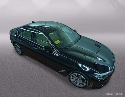 2017 BMW 530i 530i xDrive Sedan Car