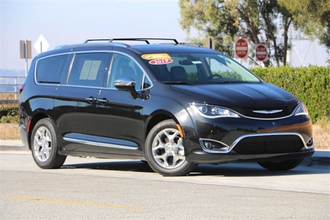 2019 Chrysler Pacifica Limited Minivan/Van