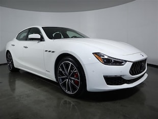2019 Maserati Ghibli Granlusso 3.0L Sedan