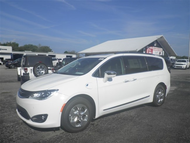 New 2018 Chrysler Pacifica Hybrid LIMITED Passenger Van Danville, KY