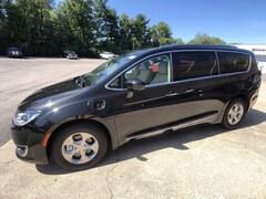 2020 Chrysler Pacifica Hybrid TOURING L Passenger Van for sale in Frankfort, KY