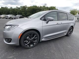 Bargain Used 2019 Chrysler Pacifica TOURING PLUS Passenger Van C19058 in Danville, KY