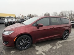 DYNAMIC_PREF_LABEL_INVENTORY_LISTING_DEFAULT_AUTO_NEW_INVENTORY_LISTING1_ALTATTRIBUTEBEFORE 2020 Chrysler Pacifica TOURING Passenger Van C20206 DYNAMIC_PREF_LABEL_INVENTORY_LISTING_DEFAULT_AUTO_NEW_INVENTORY_LISTING1_ALTATTRIBUTEAFTER