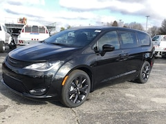 2020 Chrysler Pacifica TOURING Passenger Van for sale in Frankfort, KY