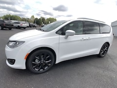 DYNAMIC_PREF_LABEL_INVENTORY_LISTING_DEFAULT_AUTO_NEW_INVENTORY_LISTING1_ALTATTRIBUTEBEFORE 2020 Chrysler Pacifica TOURING L Passenger Van C20020 DYNAMIC_PREF_LABEL_INVENTORY_LISTING_DEFAULT_AUTO_NEW_INVENTORY_LISTING1_ALTATTRIBUTEAFTER