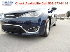 2017 Chrysler Pacifica Touring-L Van for sale in Frankfort, KY