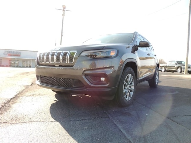 New 2019 Jeep Cherokee LATITUDE PLUS 4X4 Sport Utility Frankfort