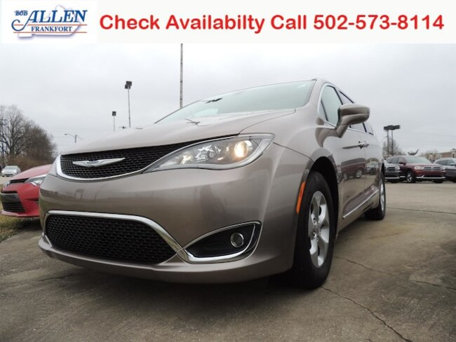 Used 2017 Chrysler Pacifica Touring-L Plus Van Frankfort