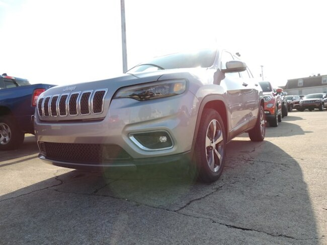 New 2019 Jeep Cherokee LIMITED FWD Sport Utility Frankfort