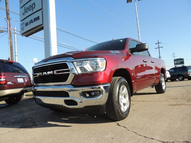 New 2019 Ram 1500 BIG HORN / LONE STAR QUAD CAB 4X4 6'4 BOX Quad Cab Frankfort