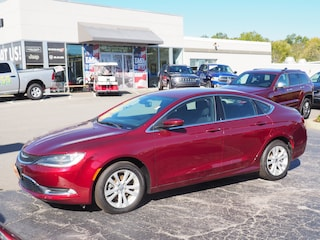 Used 2015 Chrysler 200 Limited Limited  Sedan in Youngstown, Ohio