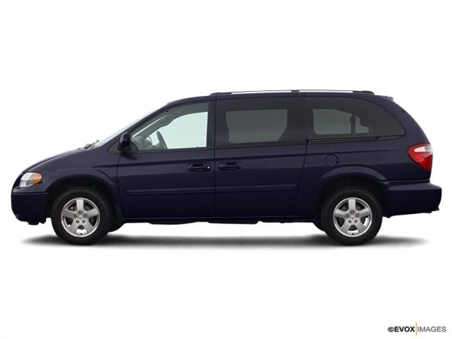Pre-Owned 2005 Dodge Grand Caravan SXT SXT  Extended Mini-Van in Youngstown, OH