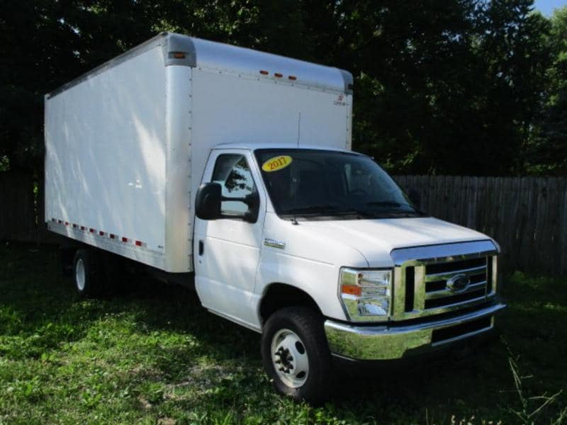 2017 Ford Econoline 450 Cutaway Base DRW Chassis Truck