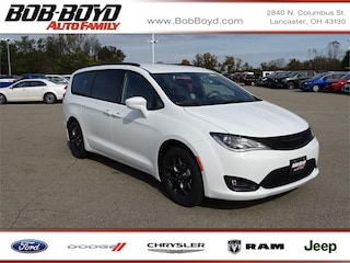 New 2019 Chrysler Pacifica TOURING L Passenger Van 2C4RC1BG2KR574655 Lancaster
