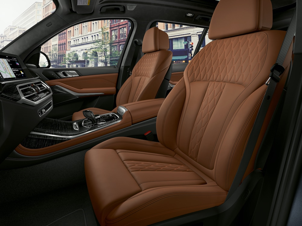2020 BMW X7 Front Interior Seats