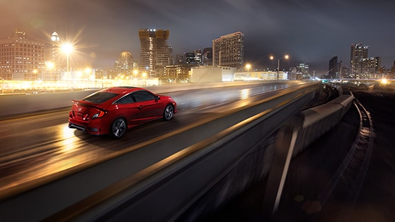 Red 2018 Civic Si Coupe Night Driving