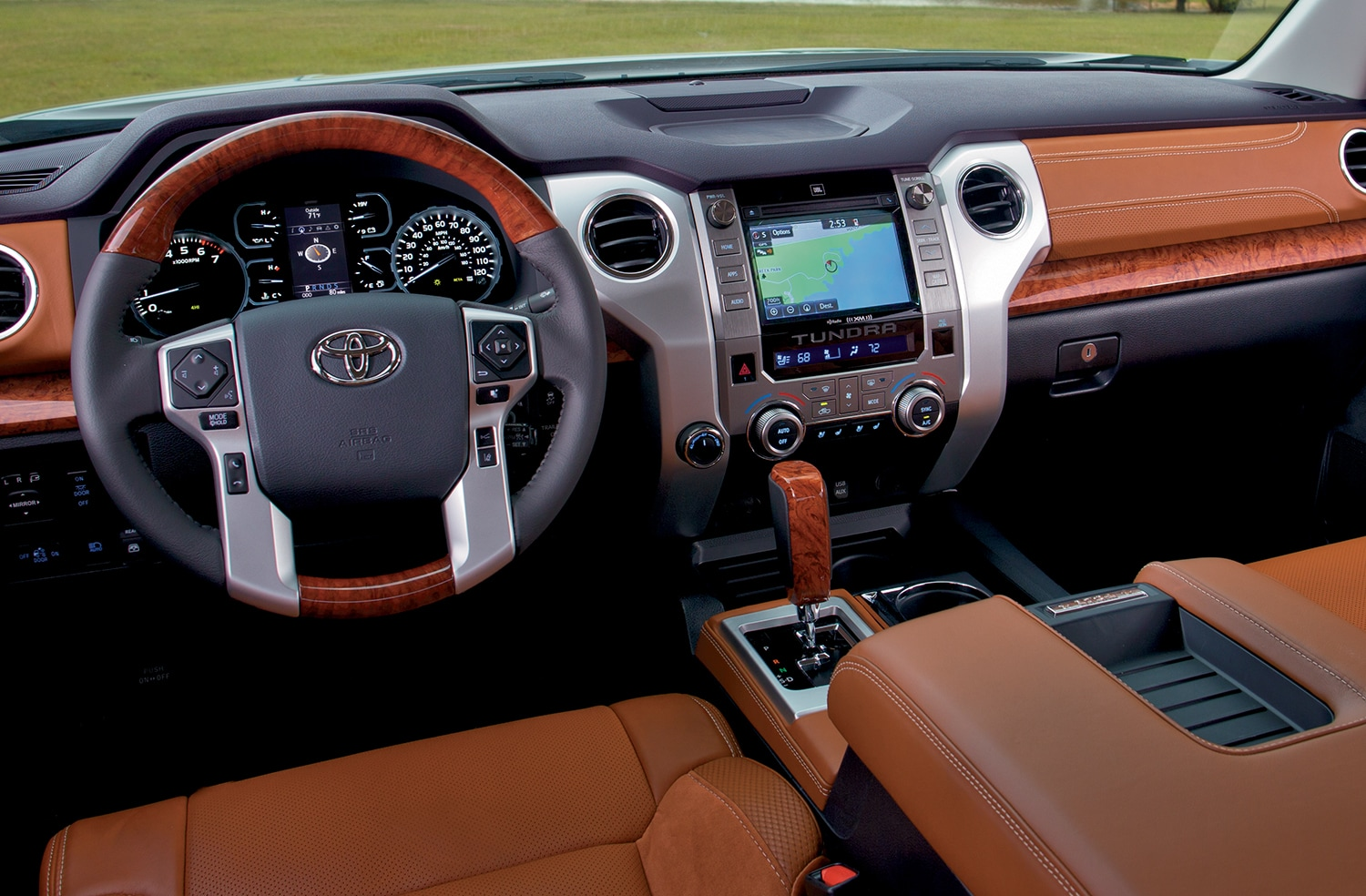 interior of the 2019 tundra cabin