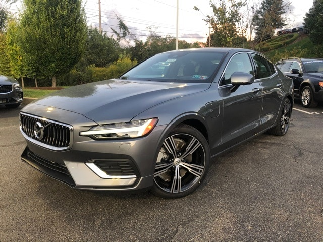 Featured new 2020 Volvo S60 Hybrid T8 Inscription Sedan for sale in Wexford near Pittsburgh, PA
