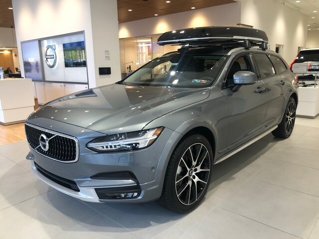 Featured new 2020 Volvo V90 Cross Country T6 Wagon for sale in Wexford near Pittsburgh, PA
