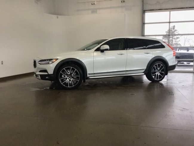 DYNAMIC_PREF_LABEL_AUTO_NEW_DETAILS_INVENTORY_DETAIL1_ALTATTRIBUTEBEFORE 2019 Volvo V90 Cross Country T6 Wagon DYNAMIC_PREF_LABEL_AUTO_NEW_DETAILS_INVENTORY_DETAIL1_ALTATTRIBUTEAFTER