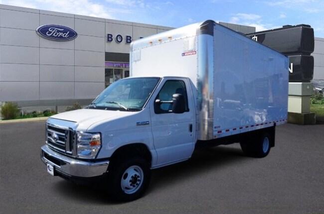 2016 Ford Econoline Commercial Cutaway Cutaway E-450 DRW Truck