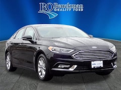 Certified used 2017 Ford Fusion SE Sedan for sale near St. Louis, MO