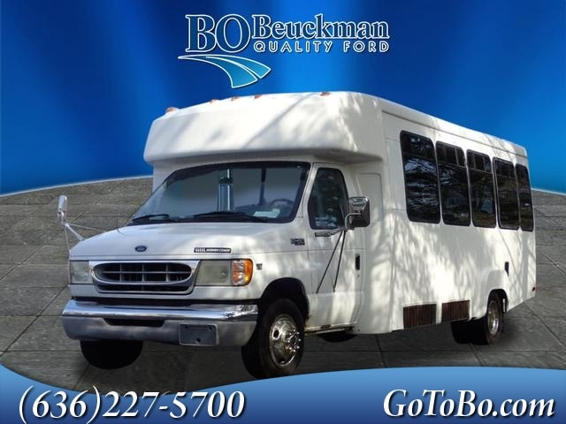 2002 Ford E-450 Shuttle Cab/Chassis