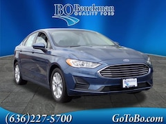 2019 Ford Fusion SE Sedan for sale in the St. Louis area
