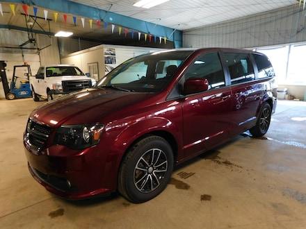 2018 Dodge Grand Caravan SE Plus Van Passenger Van
