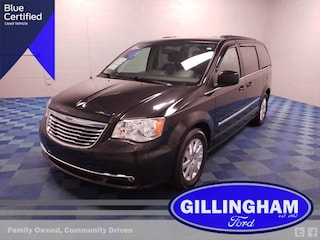 2015 Chrysler Town & Country Touring w/DVD Van