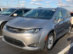 New 2020 Chrysler Pacifica LIMITED Passenger Van for sale in Coldwater MI