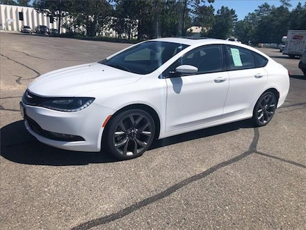 2016 Chrysler 200 S All-wheel Drive Sedan