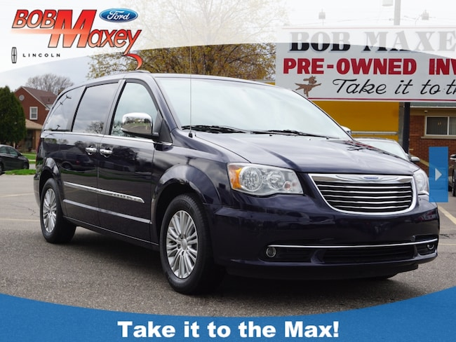 2015 Chrysler Town & Country Touring-L Van for sale in Detroit, MI