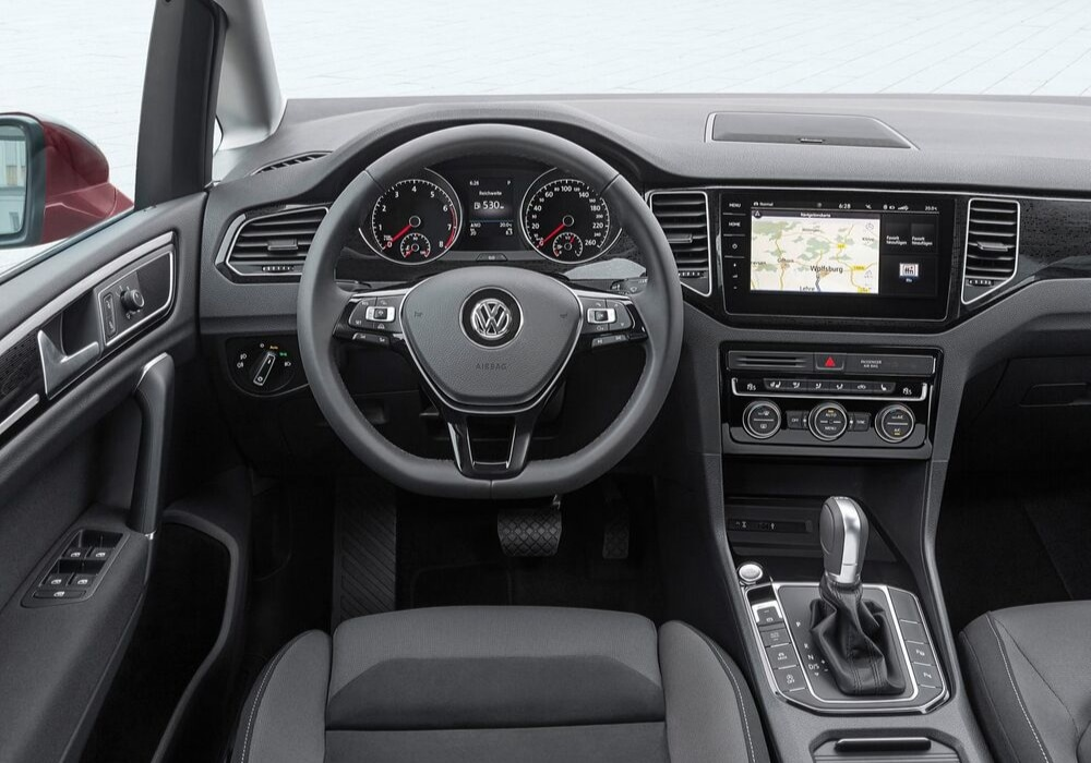 New Volkswagen Golf interior design
