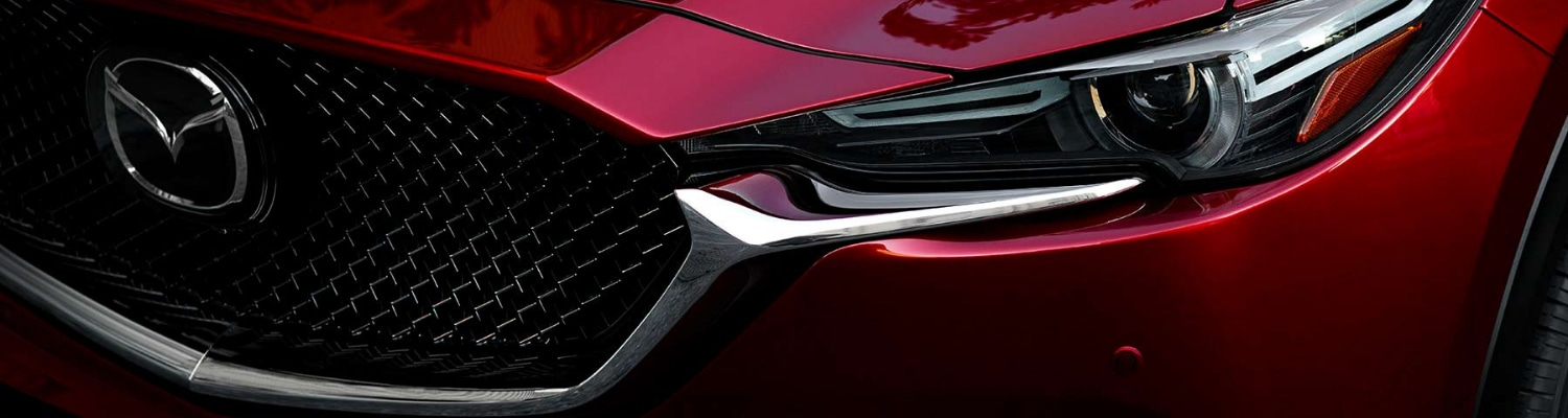Close up view of the 2019 Mazda CX-5 front grille