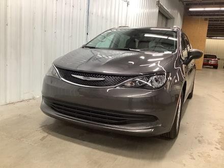 2020 Chrysler Voyager LXI Minivan/Van