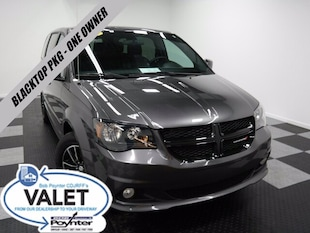2016 Dodge Grand Caravan SXT Blacktop Pkg One Owner Mini-Van