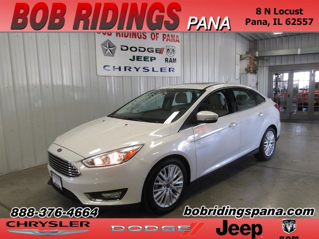 2018 Ford Focus Titanium Loaded / w Moon & Htd. Leather Sedan