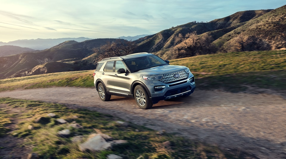 2020 Ford Explorer Driving in Jacksonville IL