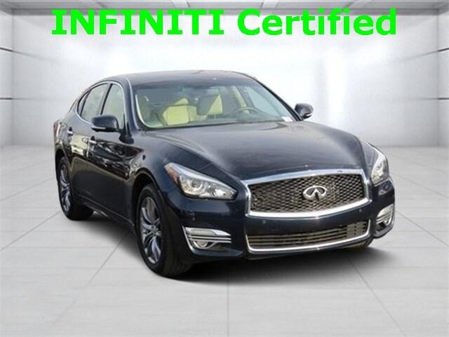 2016 INFINITI Q70 3.7 w/ Premium Sedan