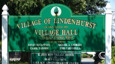 Town Sign in Lindenhurst, IL
