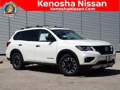 New 2020 Nissan Pathfinder SL SUV in Kenosha, WI