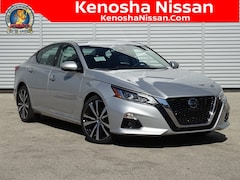 New 2020 Nissan Altima 2.0 Platinum VC-Turbo Sedan in Kenosha, WI