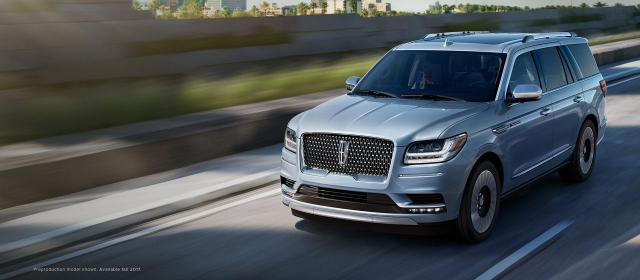 A Lease special on a 2017 Lincoln Navigator in Chicago