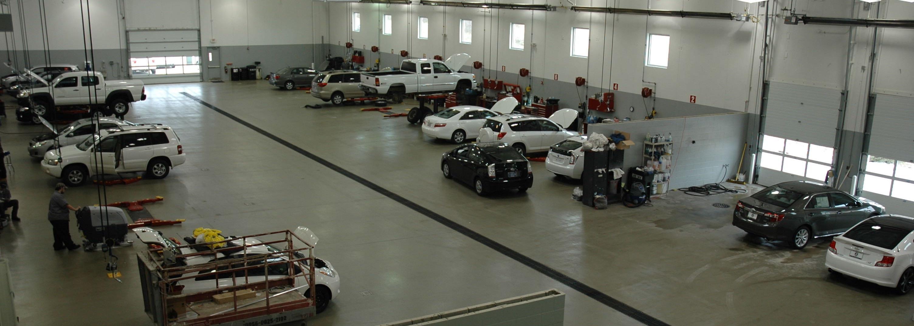 A Tailored Car Buying Experience | Bob Rohrman Toyota