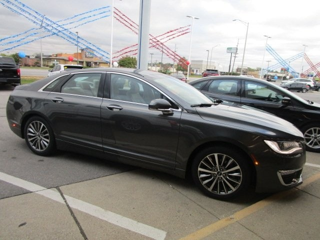 2017 Lincoln MKZ Select Sedan 2L Gasoline FWD