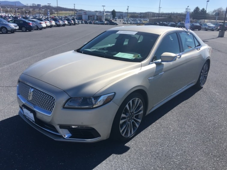 2017 Lincoln Continental Reserve Sedan PO6869