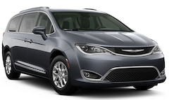 New 2020 Chrysler Pacifica TOURING L Passenger Van Brunswick ME