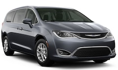 New 2020 Chrysler Pacifica TOURING Passenger Van Brunswick ME